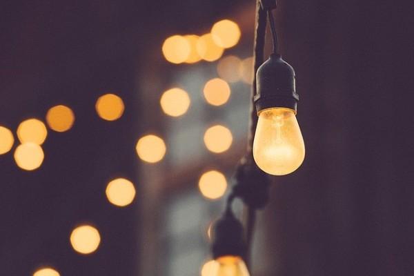 light-bulb-1209491_640