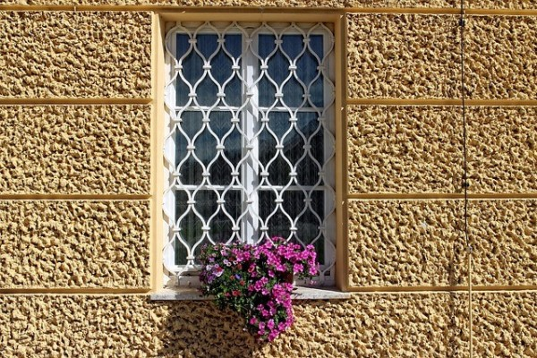 window-grilles-944457_640