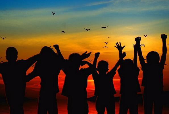 children-broods-vacation-travel-cheers-silhouette-6198