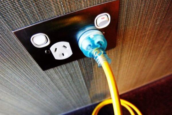 elec plug